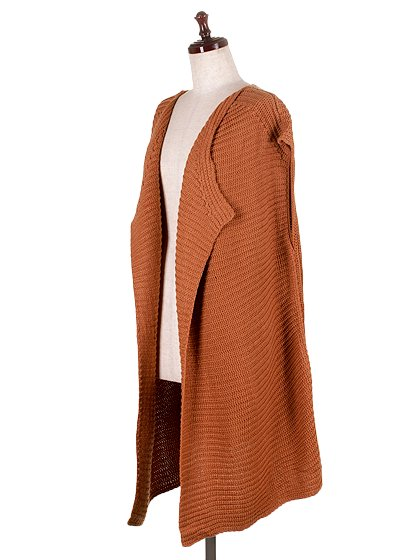 DrapedHemLongVest(Camel)大人カジュアルに最適な海外ファッションのothers(その他インポートアイテム)のアウターやカーディガン。合わせやすいロングタイプのニットベスト。着丈の長いベストは見た目以上に合わせやすく、人気のある商品です。/main-1