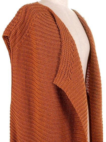DrapedHemLongVest(Camel)大人カジュアルに最適な海外ファッションのothers(その他インポートアイテム)のアウターやカーディガン。合わせやすいロングタイプのニットベスト。着丈の長いベストは見た目以上に合わせやすく、人気のある商品です。/main-7