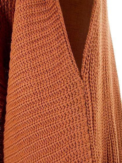 DrapedHemLongVest(Camel)大人カジュアルに最適な海外ファッションのothers(その他インポートアイテム)のアウターやカーディガン。合わせやすいロングタイプのニットベスト。着丈の長いベストは見た目以上に合わせやすく、人気のある商品です。/main-8