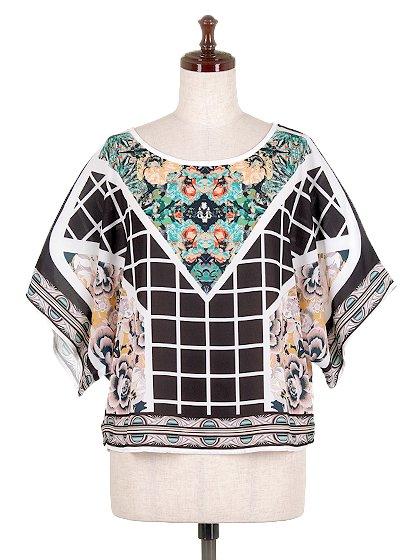 JealousTomatoのFloral&CheckeredBlouse/海外ファッション好きにオススメなFlyingTomato(フライングトマト)のトップスやシャツ・ブラウス。全面総柄プリントのトップス。ゆったり目のシルエットで、しかもストレッチの効いた素材なので着心地も良いアイテムです。