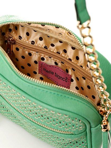 meliebiancoのLucia(Mint)/海外ファッション好きにオススメのインポートバッグとかばん、MelieBianco(メリービアンコ)のバッグやショルダーバッグ。ちょっとしたお出かけにピッタリサイズのミニポーチ。お財布(*1)とスマホだけ持って行きたい時などに重宝しそうです。/main-6