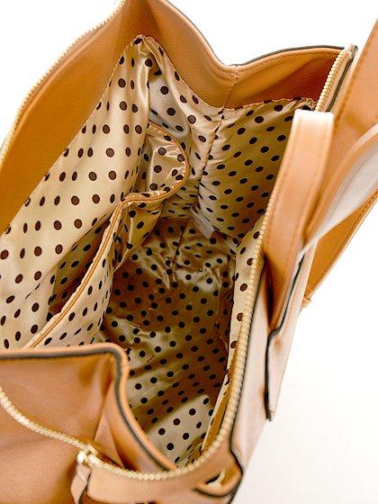 meliebiancoのMolly(Camel)/海外ファッション好きにオススメのインポートバッグとかばん、MelieBianco(メリービアンコ)のバッグやその他。メリービアンコのラインナップではあまり見かけないリュックが登場しました。しっかりとした堅めのマテリアルなんので少ない荷物でもしっかりと形をキープしてくれます。/main-10