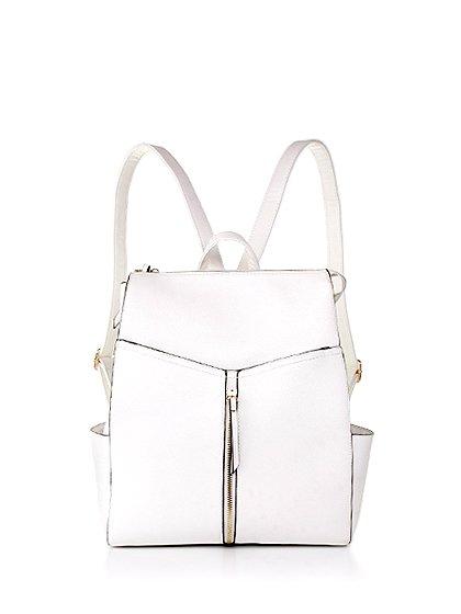 meliebiancoのMolly(Camel)/海外ファッション好きにオススメのインポートバッグとかばん、MelieBianco(メリービアンコ)のバッグやその他。メリービアンコのラインナップではあまり見かけないリュックが登場しました。しっかりとした堅めのマテリアルなんので少ない荷物でもしっかりと形をキープしてくれます。/main-12