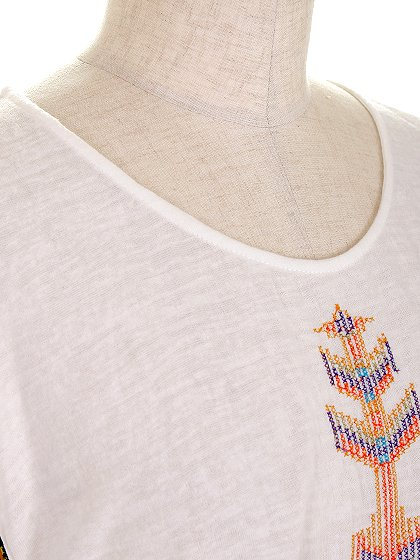 L.A.直輸入のEmbroideredBohoShirtDress大人カジュアルに最適な海外ファッションのothers(その他インポートアイテム)のワンピースやミニワンピース。Tシャツ素材のお手軽ワンピース。Boho風のアズテック柄の刺繍が可愛いアイテムです。/main-5