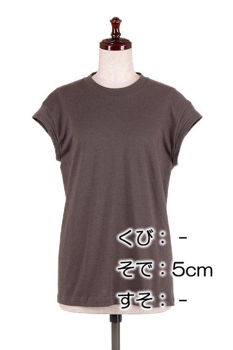 BloomAlterationService//リメイクサービス大人カジュアルに最適な海外ファッションのothers(その他インポートアイテム)のや。Tシャツ類の首袖裾を2本針の専用ミシンでリメイクします。アメリカンなバンドTなどは、良くも悪くも昔ながらのTシャツのシルエット。/main-1
