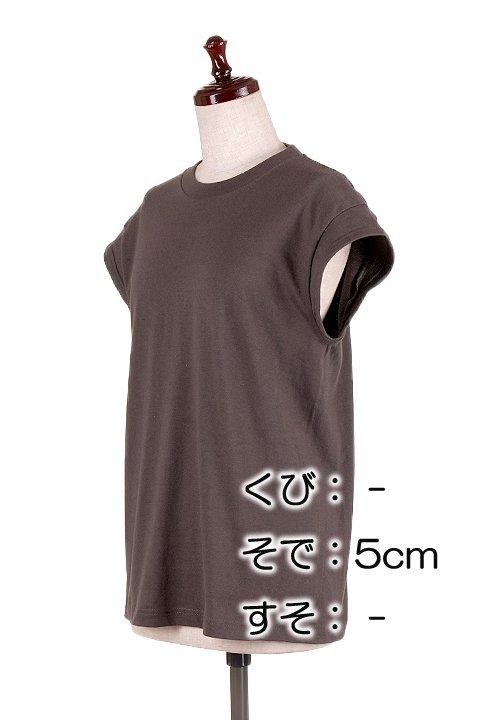 BloomAlterationService//リメイクサービス大人カジュアルに最適な海外ファッションのothers(その他インポートアイテム)のや。Tシャツ類の首袖裾を2本針の専用ミシンでリメイクします。アメリカンなバンドTなどは、良くも悪くも昔ながらのTシャツのシルエット。/main-2