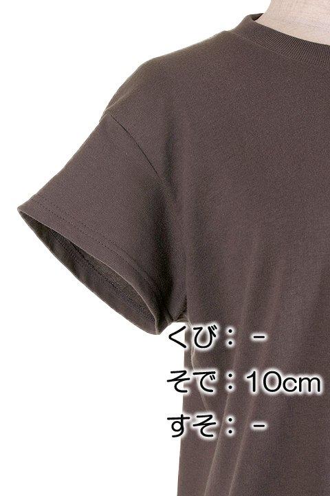 BloomAlterationService//リメイクサービス大人カジュアルに最適な海外ファッションのothers(その他インポートアイテム)のや。Tシャツ類の首袖裾を2本針の専用ミシンでリメイクします。アメリカンなバンドTなどは、良くも悪くも昔ながらのTシャツのシルエット。/main-6
