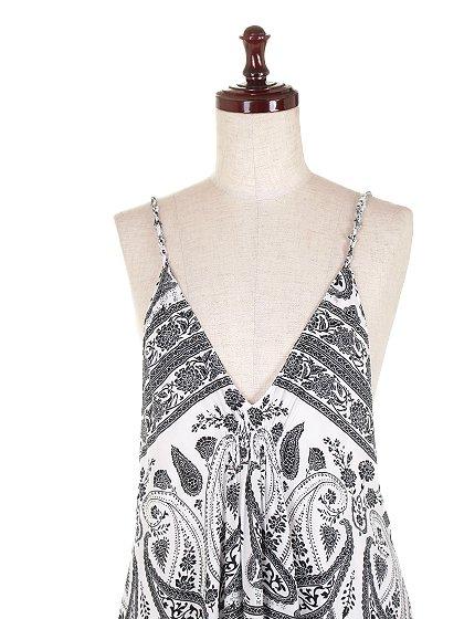 CottonCandyLAのJaneDress/セクシーさのある大人カジュアルブランドCottonCandyL.A.(コットンキャンディーL.A.)のワンピースやマキシワンピース。大人カジュアルに最適なワンピース。タイト目なボディから広がるテールカットのスカートが綺麗なラインです。/main-5