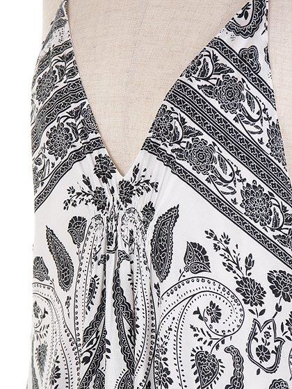 CottonCandyLAのJaneDress/セクシーさのある大人カジュアルブランドCottonCandyL.A.(コットンキャンディーL.A.)のワンピースやマキシワンピース。大人カジュアルに最適なワンピース。タイト目なボディから広がるテールカットのスカートが綺麗なラインです。/main-6