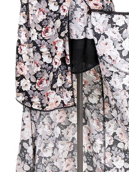 CottonCandyLAのSecretGardenMaxiSet-Up/セクシーさのある大人カジュアルブランドCottonCandyL.A.(コットンキャンディーL.A.)のワンピースやマキシワンピース。黒ベースの落ち着いた花柄のセットアップ。着こなしがパターン化してしまうワンピースと違って、様々なコーディネートが楽しめるオススメのアイテムです。/main-13