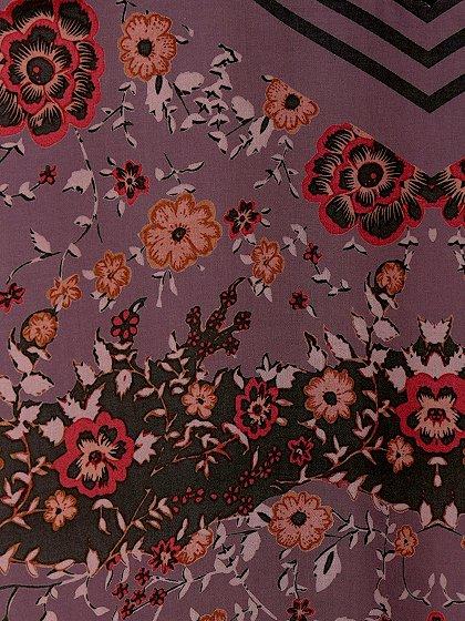 FreePeopleのPocketfulOfWildflowersPrintedDress(BlackCombo)/世界中のセレブファッション好きに大人気のFreePeople(フリーピープル)のワンピースやマキシワンピース。上質なマテリアルをスッキリシルエットに仕上げたマキシワンピースです。甘くなりがちな花柄を大人っぽく、そして遊び心あるデザインでまとめたアイテム。/main-17