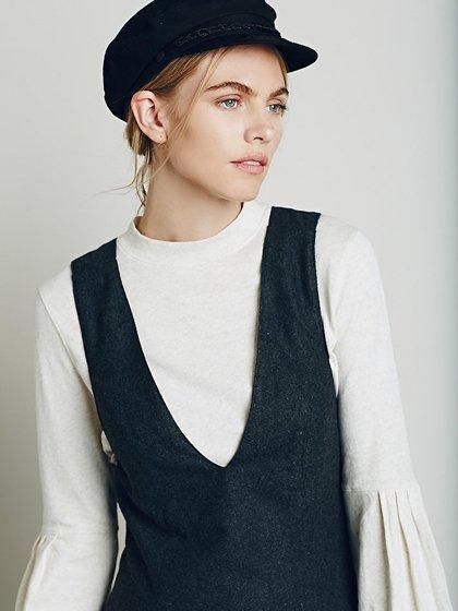 FreePeopleのGemma'sFavoriteDress/世界中のセレブファッション好きに大人気のFreePeople(フリーピープル)のワンピースやミニワンピース。何とも可愛らしいジャンパースカートがフリーピープルから入荷しました。着まわしが利くグレーをチョイスしました。/main-17