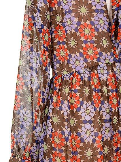 CottonCandyLAのWarholDress/セクシーさのある大人カジュアルブランドCottonCandyL.A.(コットンキャンディーL.A.)のワンピースやミニワンピース。70's感あふれる花柄ミニワンピース。花柄と言っても幾何学模様の様にデフォルメされたデザインで、レトロ感を上手に現代風にアレンジしています。/main-10