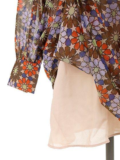 CottonCandyLAのWarholDress/セクシーさのある大人カジュアルブランドCottonCandyL.A.(コットンキャンディーL.A.)のワンピースやミニワンピース。70's感あふれる花柄ミニワンピース。花柄と言っても幾何学模様の様にデフォルメされたデザインで、レトロ感を上手に現代風にアレンジしています。/main-14