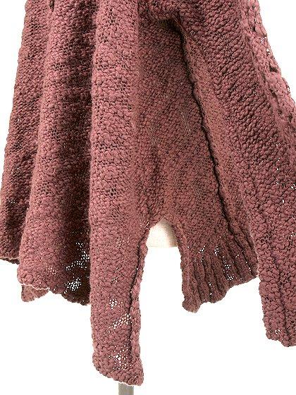 FreePeopleのPrettyPointelleVee(Rose)/世界中のセレブファッション好きに大人気のFreePeople(フリーピープル)のトップスやニット・セーター。毎年人気のオーバーサイズドニット。スキニーボトムやゆったりシルエットのスカートなど、ボトムを問わず合わせられます。/main-10
