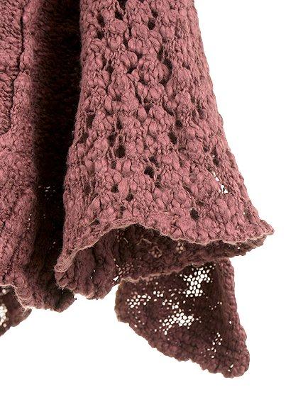 FreePeopleのPrettyPointelleVee(Rose)/世界中のセレブファッション好きに大人気のFreePeople(フリーピープル)のトップスやニット・セーター。毎年人気のオーバーサイズドニット。スキニーボトムやゆったりシルエットのスカートなど、ボトムを問わず合わせられます。/main-12