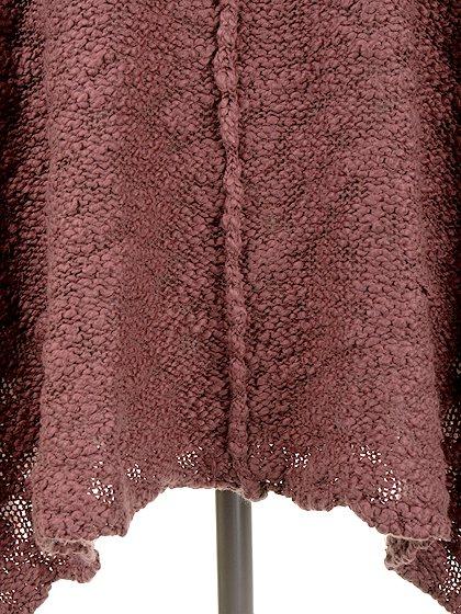 FreePeopleのPrettyPointelleVee(Rose)/世界中のセレブファッション好きに大人気のFreePeople(フリーピープル)のトップスやニット・セーター。毎年人気のオーバーサイズドニット。スキニーボトムやゆったりシルエットのスカートなど、ボトムを問わず合わせられます。/main-14