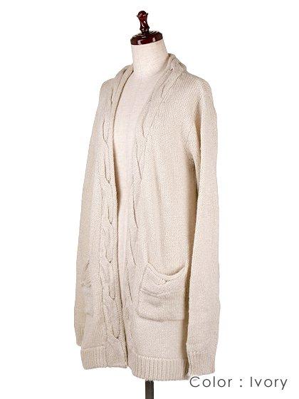 roomIVYのAmyJKT/ビーチでのリゾートファッションブランド、roomIVY(ルームアイビー)のアウターや。大人気だったケーブルニットのAmyがカーデになって登場しました。身頃に沿ったケーブル編みがポケットにも施されています。/main-12