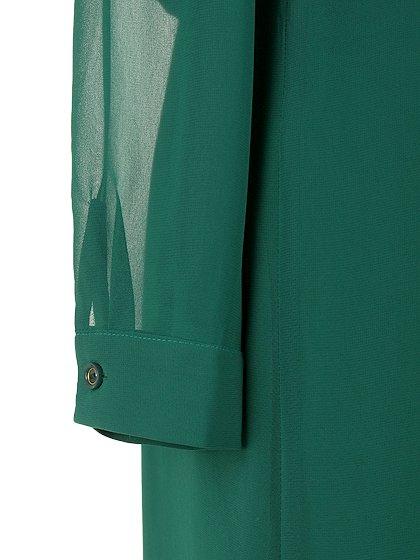 ORIONLONDONのLovieDress(Green)/大人のためのカジュアルブランド、ORIONLONDON(オリオンロンドン)のワンピースやミディワンピース。シックで都会的な大人感が漂うワンピース。パーティーやお呼ばれの時には一際目を引くドレスです。/main-13