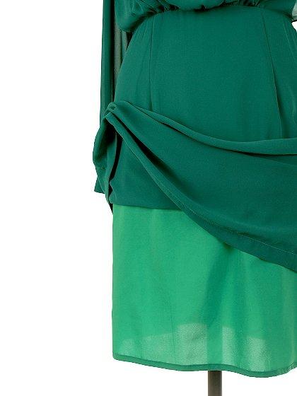 ORIONLONDONのLovieDress(Green)/大人のためのカジュアルブランド、ORIONLONDON(オリオンロンドン)のワンピースやミディワンピース。シックで都会的な大人感が漂うワンピース。パーティーやお呼ばれの時には一際目を引くドレスです。/main-14