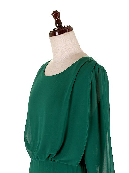 ORIONLONDONのLovieDress(Green)/大人のためのカジュアルブランド、ORIONLONDON(オリオンロンドン)のワンピースやミディワンピース。シックで都会的な大人感が漂うワンピース。パーティーやお呼ばれの時には一際目を引くドレスです。/main-7